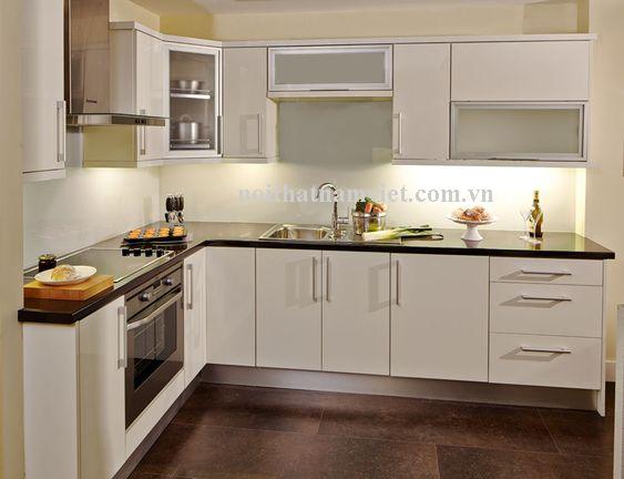 tủ bếp nhôm sơn tĩnh điện màu trắng
