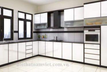 Thi công tủ bếp nhôm ốp kính cường lực màu trắng tại quận 6. TP HCM