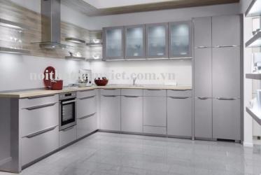 Thiết kế thi công tủ bếp nhôm kính sơn tĩnh điện chữ L màu xám 0013 lắp đặt TP HCM